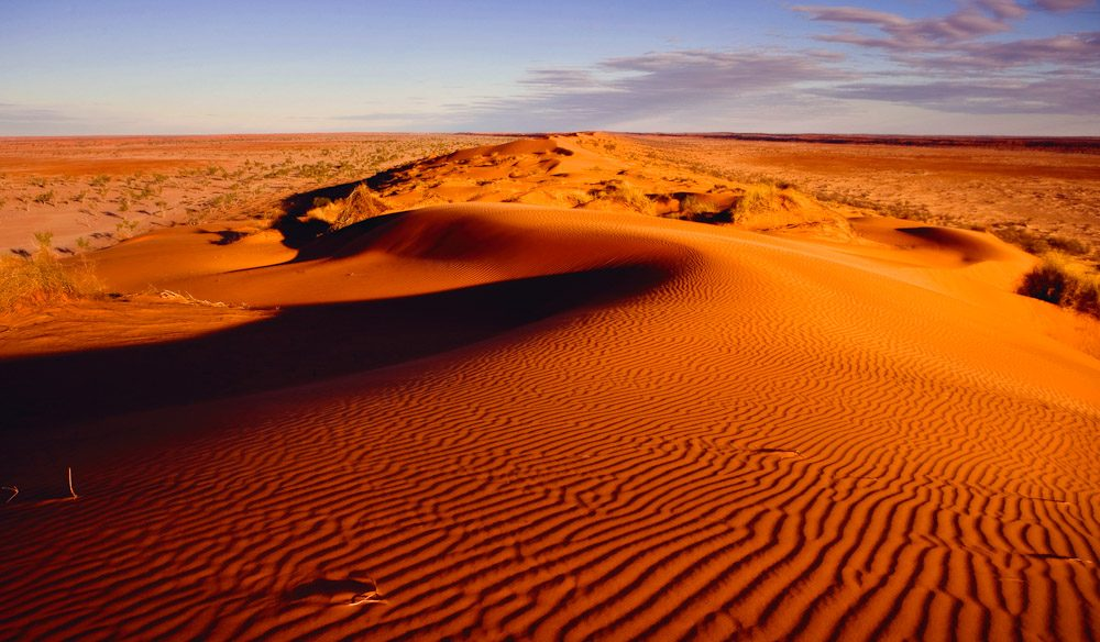 Najveće pustinje na svetu  100-Things-To-Do-Before-You-Die-32-Big-Red-Simpson-Desert-Featured-Image