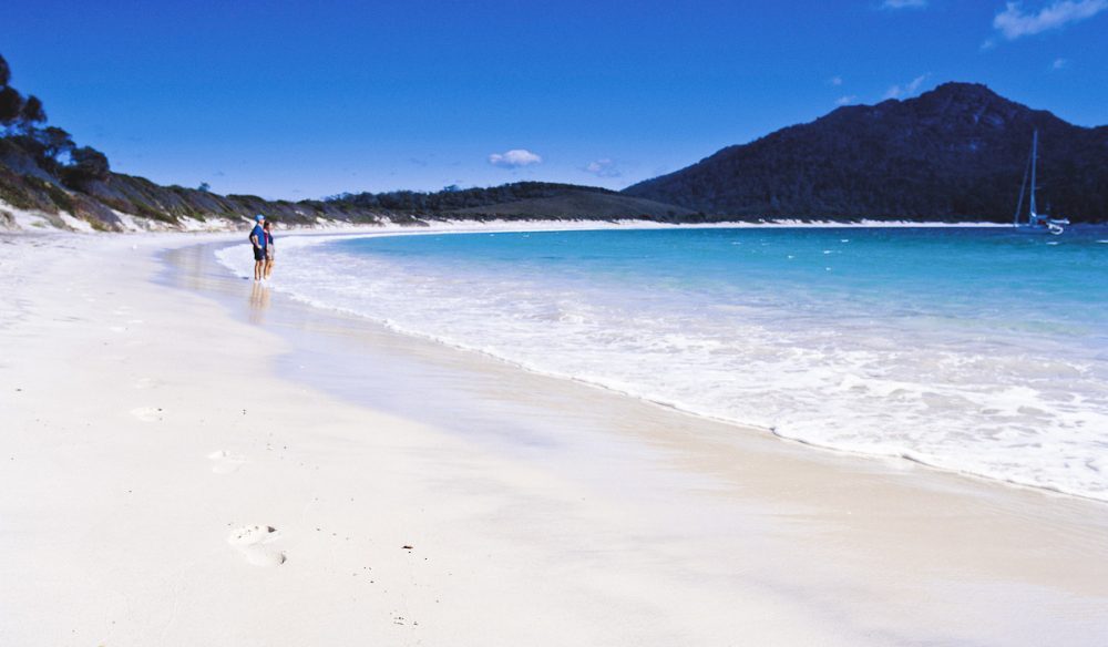 100 Things To Do Before You Die #4 Wineglass Bay Featured Image