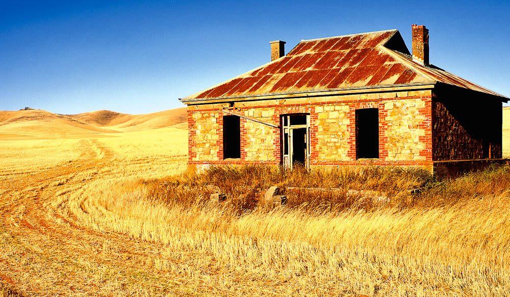 002. Burra Homestead SA - Image By Ken Duncan