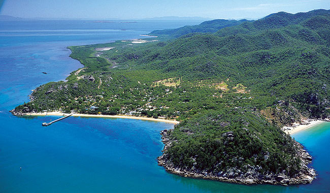 Picnic Bay on Magnetic Island. Image by Tourism Qld