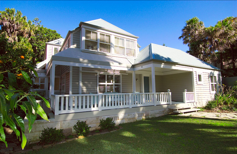 True north holiday house palm beach australian traveller for Beach home designs nsw