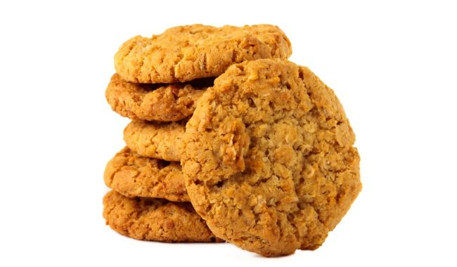 Made by women for their men serving in the WWI trenches, ANZAC biscuits are an iconic Australian gourmet experience.