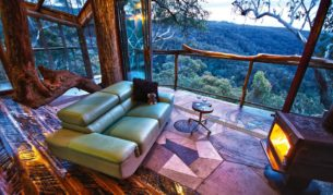 treehouse for grown-ups, Love Cabins