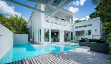 Stunning inner city luxury and locale in New Farm