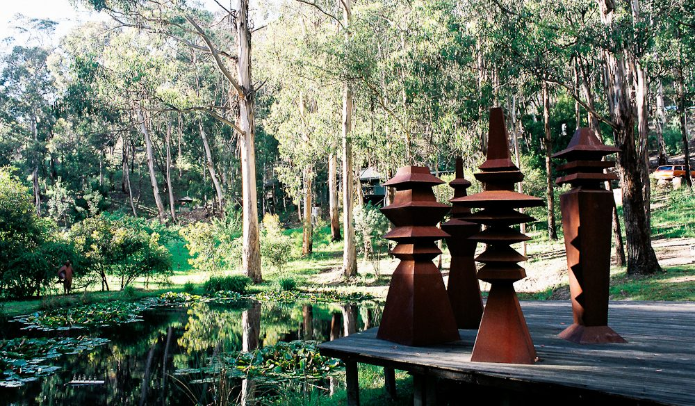 Sculpture garden: Qdos Arts retreat, Lorne