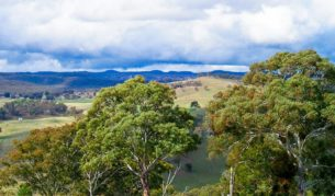 Visit Australia's Unkown Grand Canyon: the Capertee Valley of the Blue Mountains