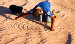 Harry Nanya Tours Mungo National Park NSW