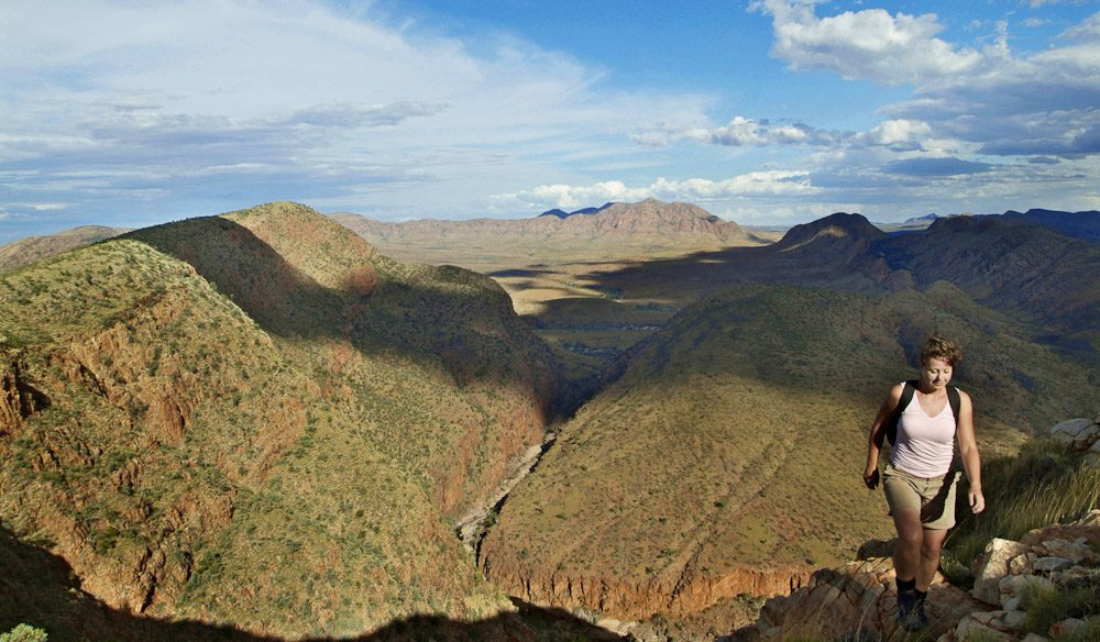 Melbourne To Canberra Drive >> 100 Things To Do Before You Die #074 Hike The Larapinta Trail - Australian Traveller
