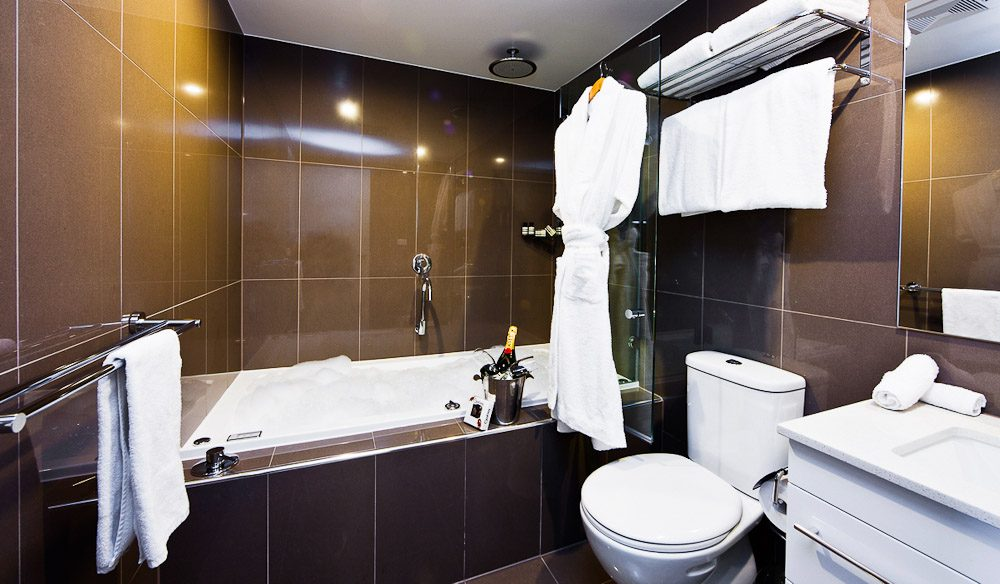 The bathroom - Aria Hotel Canberra