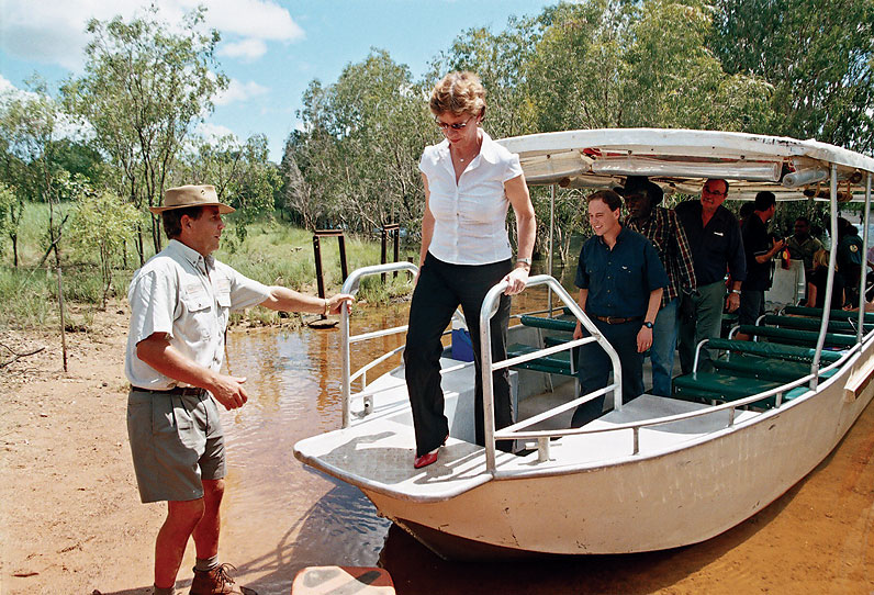 NT Chief Minister Clare Martin and Parliamentary Secretary Greg Hunt disembark with local owner Jacob Nayinggul to view the lay of the land. Image by Dennis Schulz