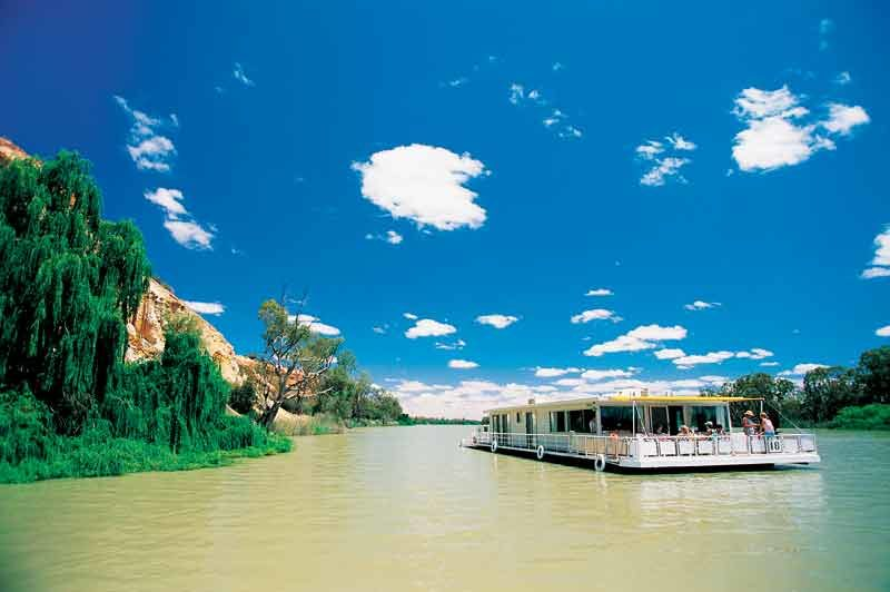 Houseboat Murray River