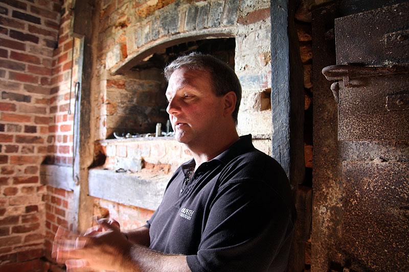 Stephen Arnott explaining his family's history