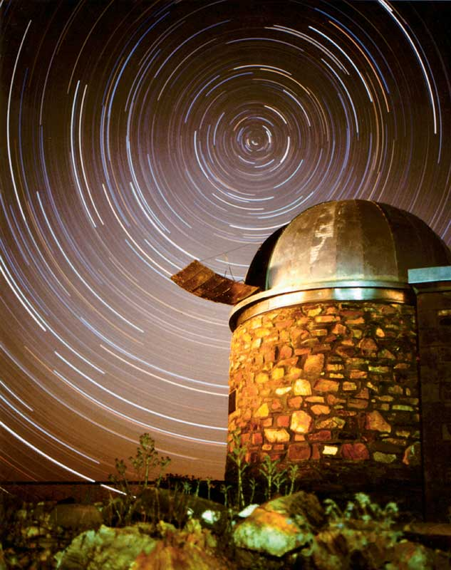 The brilliant night sky above Arkaroola�s Dodwell Observatory.