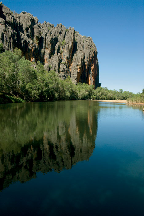 In the dry season, the Lennard River retracts to still pools where freshwater crocs and corellas congregate. Image by David Bristow