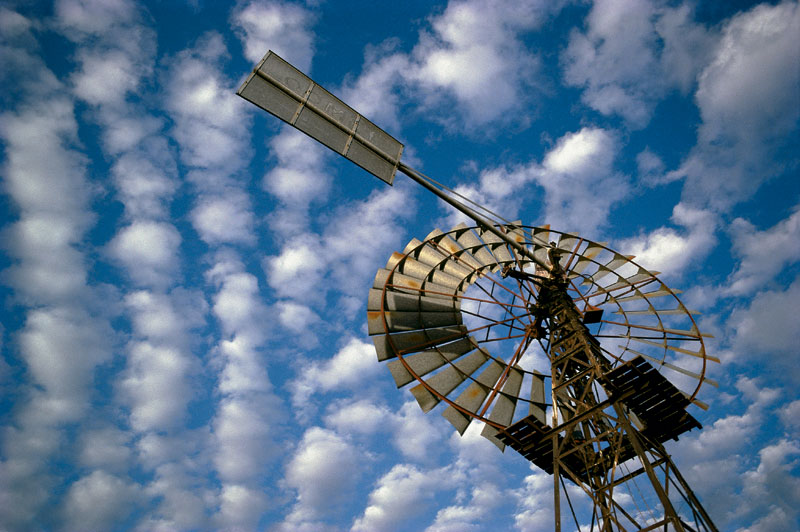 The big sky is real in Longreach. Image by Tourism QLD