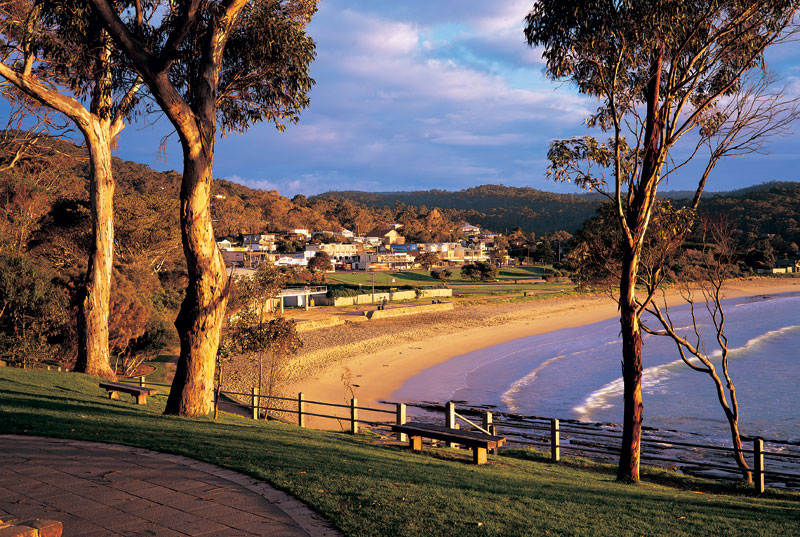 Lorne, southern playground for Melbourne weekenders. Image by Tourism Victoria