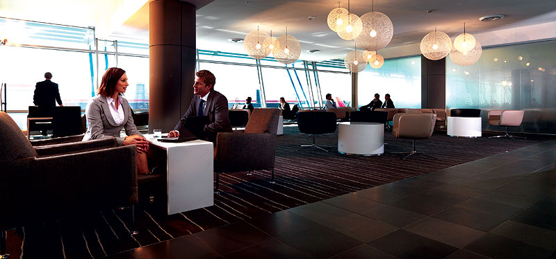 Sydney's renovated Qantas business lounge. Image by Qantas.