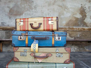 What to pack in your suitcase for travel and holidays