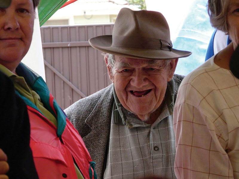 Temora local George Cameron shows his enthusiasm at a town auction. Image by  Kristin Repsher