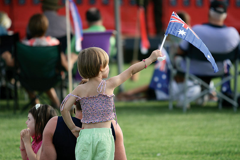 Tthey raise'em patriotic in Temora. Images by Greg Marzo