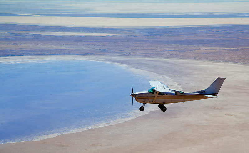 Lake Eyre filling up to the brim. Image by Grenville Turner