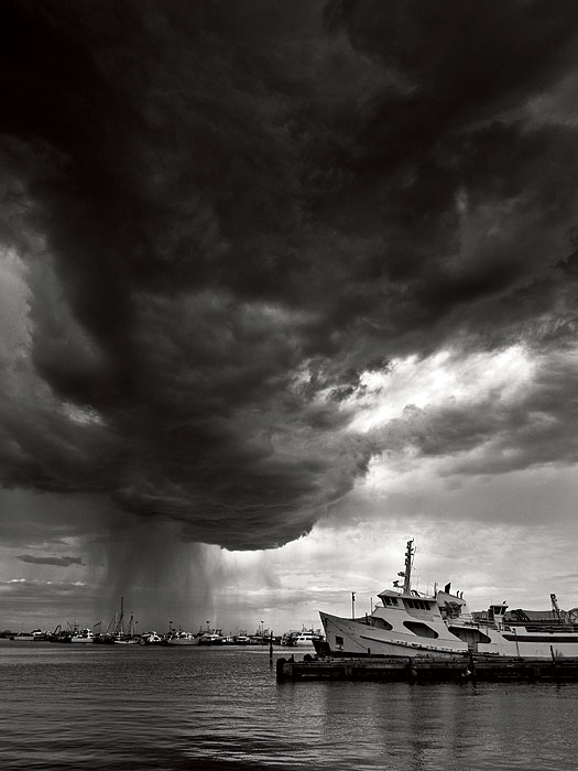 AT Reader Peter Bowdidge from Joondanna in WA sent in this dramatic shot from Fishing Boat Harbour in Fremantle.