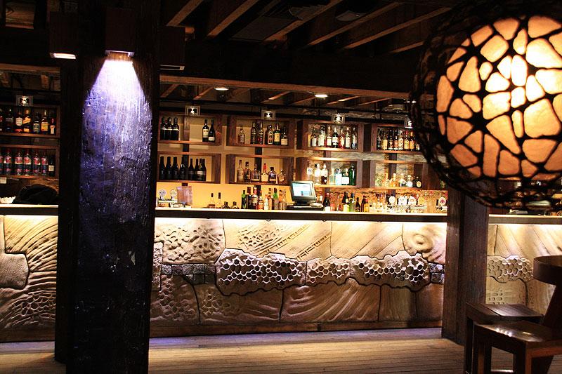 Inside the trendy Argyle Bar -- Liz Schaffer