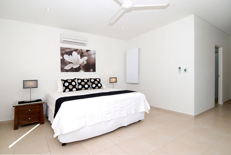 Pearl is all smooth surfaces, crisp bed sheets, noiseless sliding doors, wafting air-con and cool floors underfoot.