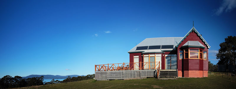 The Peninsula, restored early 1900s farmhouse, an hour's drive from Hobart