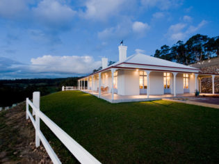 Villa Talia: A classic pastoral homestead - holiday house Huon Valley Tasmania