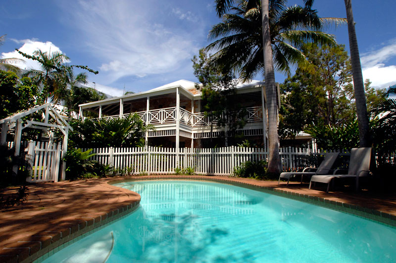 This two-story colonial cottage overlooking Darwin's natural harbour and esplanade sets the standard for holiday homes in the area.