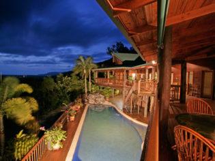 Horizon Vista is the loftiest rental home in the Port Douglas region