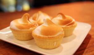 Sweet Infinity's signature meringue tart. Image by Aimee Chanthadavong.
