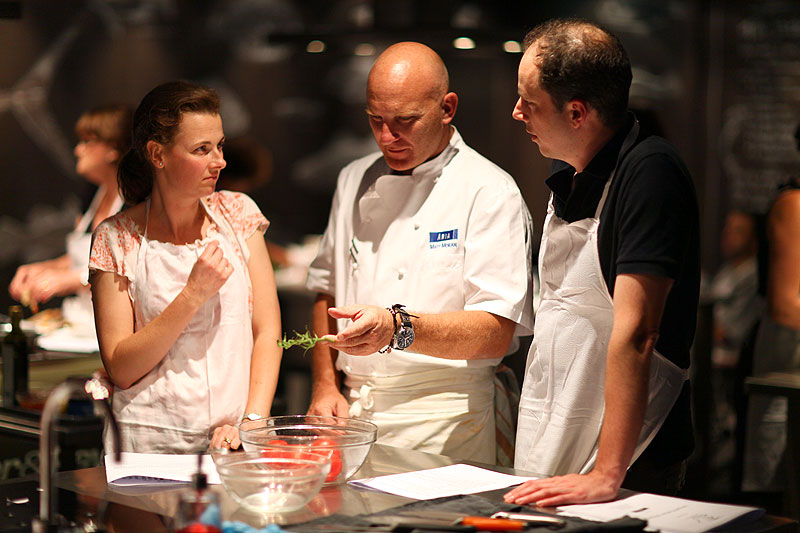 Everything from Seafood BBQ, Thai, Tapas, Moroccan, Sushi and Laksa classes are taught throughout the week and on weekends