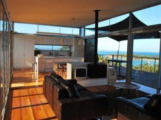 Jibbon Beach House at Bundeena affordable accommodation