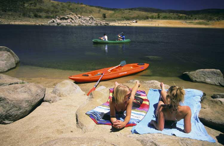 Lake Jindabyne perfect for summer