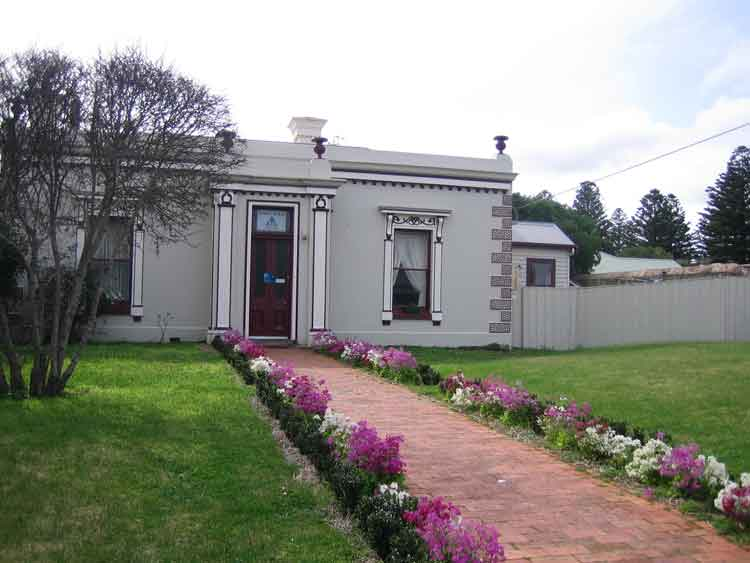 is this the cutest YHA in Australia - Port Fairy YHA