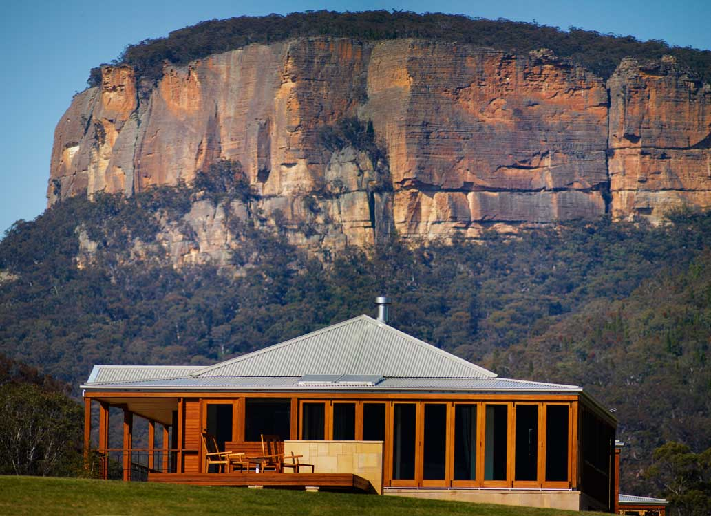 The villas are surrounded by the stunning Sydney sandstone standing protector over all looking for an indulgent weekend