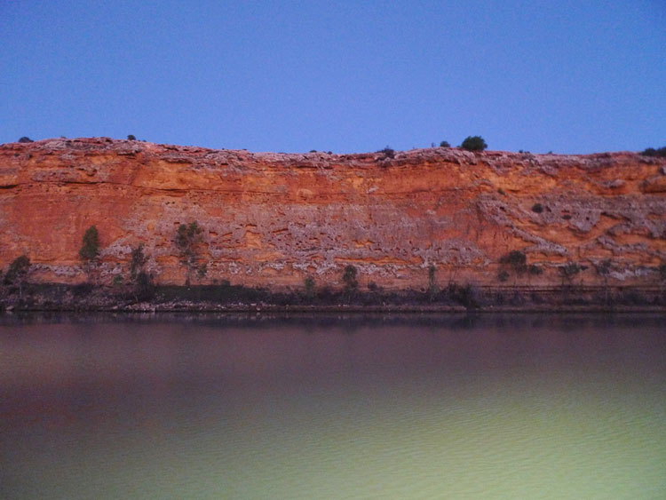 See the mighty Murray River at night on the Big Bend tour