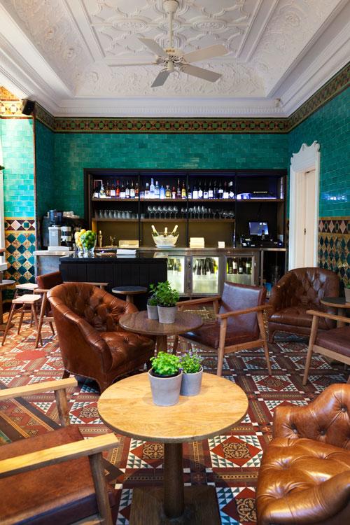 Lounge area and bar at Hawthorn Mosman