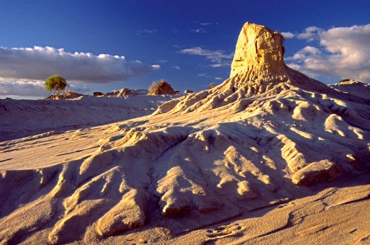 Sand Carving - Mungo National Park, NSW
