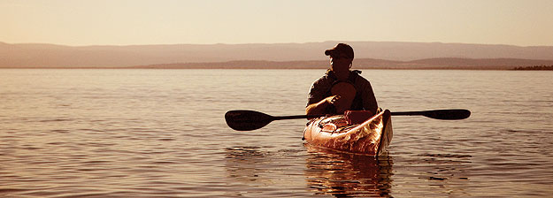 Kayaking offshore from Swansea. Image by Tourism Tasmania
