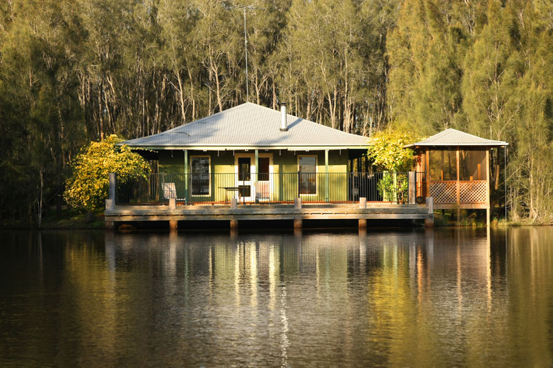A collection of five outstanding self-contained cottages set among the vineyards and olive groves of the Lower Hunter Valley wine region.