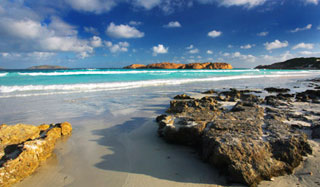 Aquamarine waters of Esperance (photo: Michael Willis).