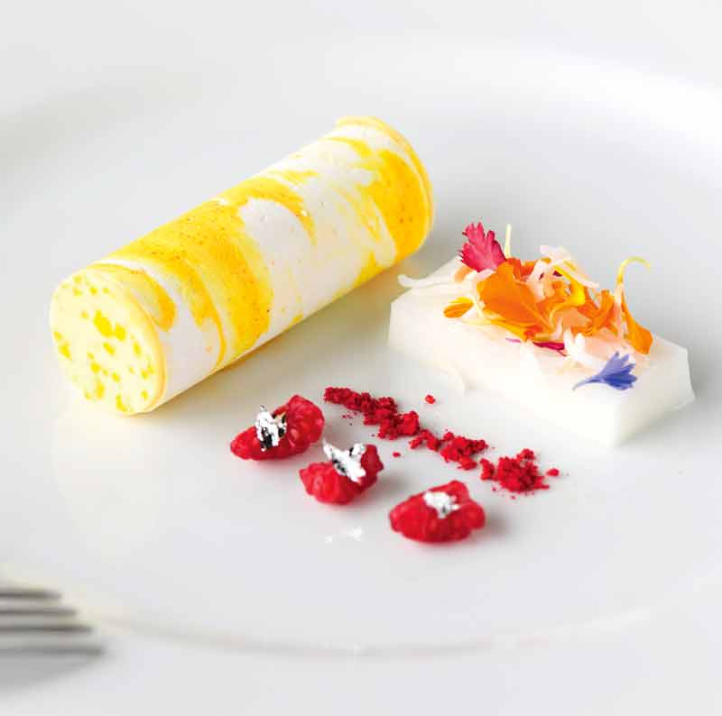 Crisp lemon roll dessert