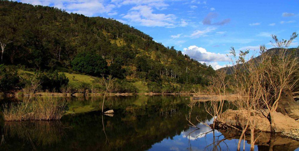 Dreaming the Clarence River - Debrah Novak