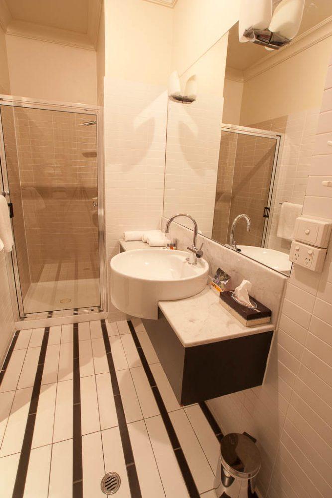 Bathroom - Quality Hotel Mildura