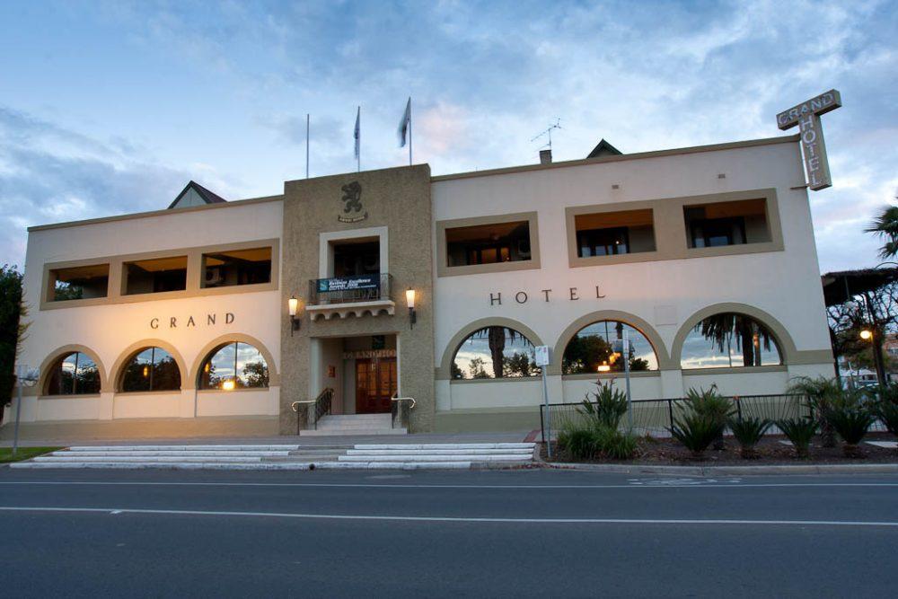 Exterior - Grand Hotel