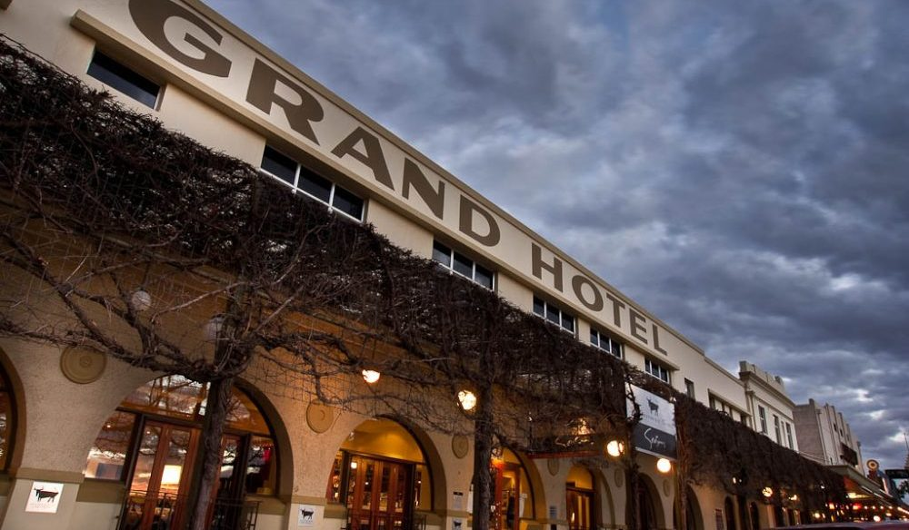 Mildura's Grand Hotel