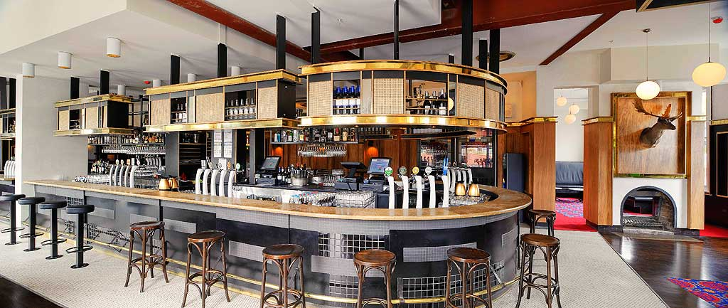 Middle Park Hotel bar